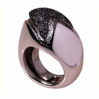 Ring in rhodium-plated silver with black glitter enamel